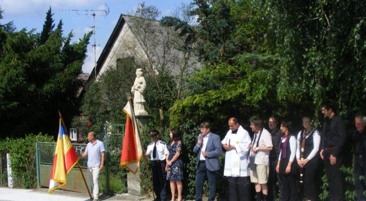 Vysvěcení sochy Jana Nepomuckého v Lukavci